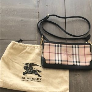 Authentic Burberry Haymarket Check Peyton purse